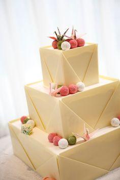 一風変わった和風デザインのウエディングケーキはゲストにも喜ばれそう!