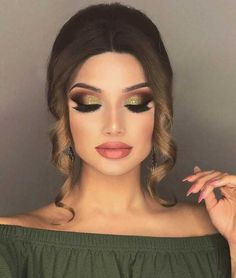 The Best Nail Design And Make Up Ideas For New Years Eve. We Have Sparkle, Smoky Eye, and Silver Eyeshadows That Will Have You Looking Fun And Beautiful. Glam Makeup, Makeup Inspo, Bridal Makeup, Eyeshadow Makeup, Makeup Ideas, Face Makeup, Flat Twist Hairstyles, Flat Twist Updo, Modern Hairstyles