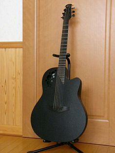 Ovation Guitar : So cool!