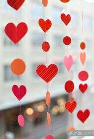 Guirnaldas Cosidas · Valentines Day DecorationsValentines DiyDaycare  DecorationsPinterest ...
