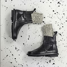 Mid week winter essentials: @Trippen.official Two Black boots are sustainable & modern with innovative design.