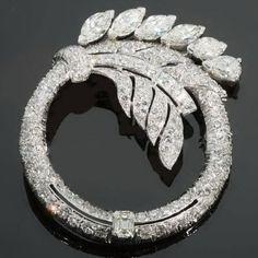 Truly magnificent Art Deco platinum diamond ring brooch