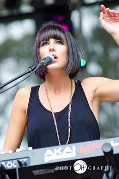 Sarah Barthel of Phantogram - I'm getting my hair cut like this VERY soon.  (if i have my 10inches to donate...)