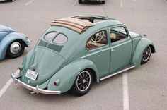 Split Window VW Beetle                                                                                                                                                                                 Plus