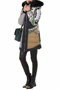 Raincoats For Women Long Sleeve Refferal: 7668004363 Baby Raincoat, Green Raincoat, Hooded Raincoat, Best Rain Jacket, Black Rain Jacket, North Face Rain Jacket, Rain Jacket Women, Stylish Raincoats