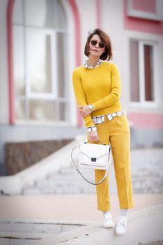 total mustard look,