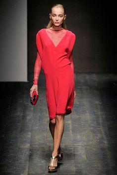 Salvatore Ferragamo Spring 2010 Ready-to-Wear Fashion Show - Snejana Onopka