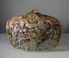 Ignacio Canales Aracil creates gravity-defying sculpture made of pressed and dried flowers. Flower Crafts, Flower Art, Paper Light, Party Centerpieces, Leaf Art, Nature Crafts, Dried Flowers, Flower Power, Floral Arrangements