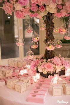 Pudrowo- różowe upominki dla gości