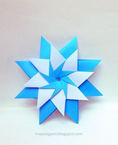 mas origami Jewish Celebrations, Pop Up, Hanukkah, Stars, Crafts, Mayo, Origami Stars, Arts And Crafts, Portrait