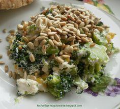 Salatka z brokulami i slonecznikiem