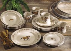 Western Horse Dinnerware Set - 16 pcs