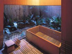Bathroom at Tawaraya, Autumn week-end with Arrow Modern Japanese Architecture, Japanese Interior Design, Japanese Home Decor, Japanese Spa, Japanese Modern, Japanese House, Japanese Hot Springs, Wooden Bathtub, Relaxing Bathroom