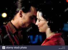 Download this stock image: JOHNNY DEPP, JULIETTE BINOCHE, CHOCOLAT, 2000 - T037ER from Alamy's library of millions of high resolution stock photos, illustrations and vectors: image 18! Jonny Deep, Juliette Binoche, Live News, Vectors, Author, Illustrations, Stock Photos, Film, Image