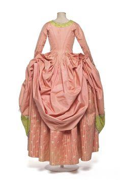 Dress with polish |  Decorative Arts 1780-1785