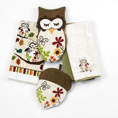 owl kitchen-I got this set for Christmas...so cute!!!