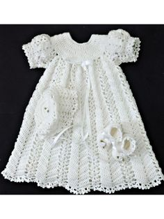 This baby girl's coming home/baptism/christening outfit crochet pattern is designed to fit infants from newborn to 3 months—up to 12 pounds. It is for crochet artists who enjoy making baby garments with a traditional look. Baptism Outfit, Christening Outfit, Christening Gowns, Crochet Baby Dress Pattern, Crochet Patterns, Girls Coming Home Outfit, Thread Crochet, Complete Outfits, Baby Patterns