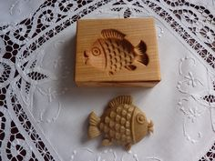 kapřík vánoční-forma 6x5 cm ručně vyřezávaná forma na dekorativní perník,keramiku materiál hrušen,třešen,lipa nebo jablon velikost otisku cca 6x5cm