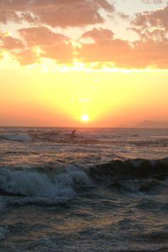 Da série: Eu estive nesse lugar... **O rei e o surfista.... Em por do sol... Barra da Tijuca - Rio de Janeiro