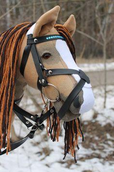 Beige bi-colored mane Hobby Horse with one blue eye (comes with bridle and martingale) /steckenpferd/hobby horse/käpphäst/keppihevonen Children Games, Games For Kids, Princess Photo, Hobby Horse, Etsy Uk, Horses, Beige, Eyes, Brown
