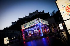 Ö3-Weihnachtswunder at Salzburg Salzburg, Opera House, Times Square, Tours, Explore, Building, Travel, Logo, Logos