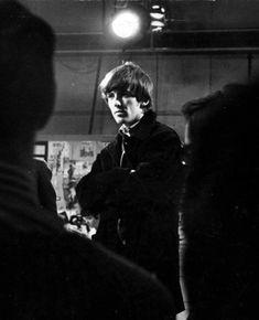 George Harrison by Arnold Schwartzman Liverpool Legends, Oscar Wins, Simon Garfunkel, Love Me Do, Wife And Girlfriend, Ringo Starr, George Harrison, Documentary Film, Film Director