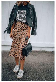 Fashion 2020, Look Fashion, Autumn Fashion, Fashion Spring, Summer Fashion Trends, Fashion Styles, Jeans Fashion, Cool Fashion Ideas, Fashion Black