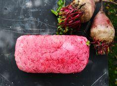 Pan de Betarraga | Cherrytomate Color, Cafe Food, Bread Recipes, Maltese Tiger, Healthy Breads, Beets, Colour, Colors