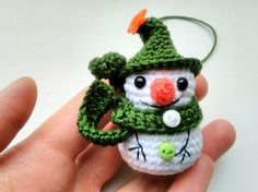 #Christmas #Christmastree #Christmastreedecorations #Snowman #ornaments #Christmastoys #CrochetSnowman #Christmasgift #GREEN #Christmasinjuly