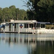 Liba 14 – 6 Berth – Australian Icon | Liba Liba Houseboats - South Australia