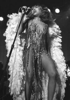 Tina Turner in Bob Mackie Tina Turner, Black Is Beautiful, Beautiful People, Musica Disco, Bob Mackie, Thing 1, Soul Music, Glamour, Female Singers