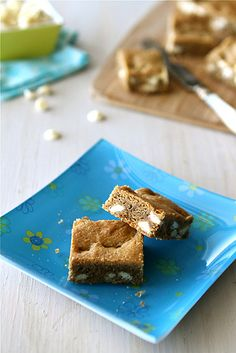White Chocolate Chip Bar Recipe with Brown Butter & Espresso @Cookin' Canuck Dara Michalski