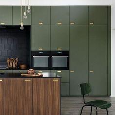 Kitchen Remodel On A Budget galleri - ikea køkken fronter - Kitchen Color Trends, Kitchen Colors, Kitchen Decor, Best Kitchen Designs, Modern Kitchen Design, Interior Design Kitchen, Green Interior Design, Modern Design, Casa Feng Shui