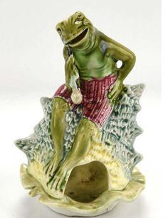 Majolica Frog on a Cigar Ashtray