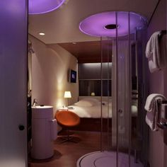 View deals for citizenM Hotel Amsterdam South. WiFi is free, and this hotel also features a restaurant and a bar/lounge. Hotel Boutique, Best Boutique Hotels, Best Hotels, W Hotel, Airport Hotel, Sleep Box, Purple Bathrooms, Hotel Room Design, Hotel Decor