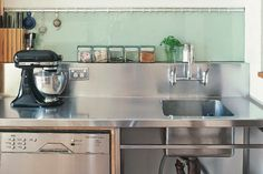 The Accentuate of stainless steel bench with sink You are in the right place about DIY Laundry by hand Here we offer you the most beautiful pictures about the DIY Laundry box you are looking for. Laundry Pedestal, Laundry Box, Kitchen Benchtops, Kitchen Sinks, Laundry Cabinets, Kitchen Cupboard Doors, Modern Cafe, Commercial Kitchen, Stainless Steel Kitchen