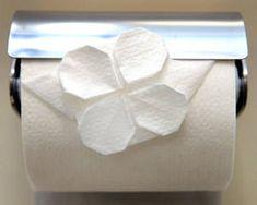 画像 Toilet Paper Origami, Toilet Paper Art, Diy Paper, Paper Crafts, Napkin Folding, Paper Folding, Fabric Flowers, Paper Flowers, Diy And Crafts