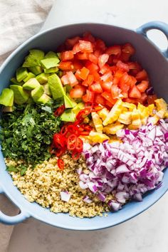 The most delicious Mexican Quinoa Salad of all times. Healthy avocado, protein-rich black beans, a boat load of cilantro and a little heat make this Mexican quinoa recipe more than complete. #quinoa #mexican