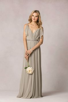 I absolutely adore the ultra romantic Jenny Yoo bridesmaid dresses and it was such a pleasure to meet the talented designer during New York Bridal Fashion