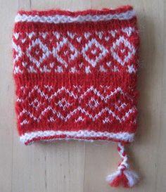 Knitting traditions in Dalecarlia Knit Wrap, Wrist Warmers, Fair Isle Knitting, Yarn Shop, Knitting Stitches, Main Colors, Twine, Mittens, Tartan