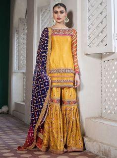 Bridal Mehndi Dresses 2020 - Pakistani Wedding Dresses for Brides Pakistani Mehndi Dress, Bridal Mehndi Dresses, Pakistani Formal Dresses, Pakistani Party Wear, Pakistani Wedding Outfits, Pakistani Wedding Dresses, Pakistani Dress Design, Bridal Outfits, Indian Dresses