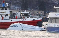 New York Plane Crash Today | ... Airways jet floats in Hudson River after emergency landing in New York