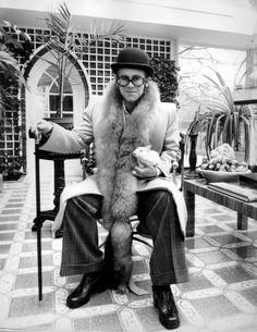 Eccentric Elton, 1976