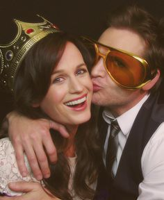 I can't with their cuteness. Elizabeth Reaser & Peter Facinelli >