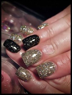 Black and gold glitter mix <3