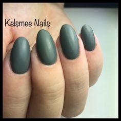 Green matte nails LeChat