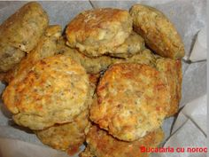 Chiftele de vinete - Bucataria cu noroc Noroc, Healthy Food, Healthy Recipes, Romanian Food, A Food, Muffin, Cooking Recipes, Breakfast, Healthy Foods