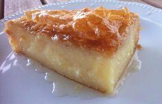 Traditional Greek Galaktoboureko recipe (Greek Custard Pie with Syrup) the BEST greek dessert ! Pastry Recipes, Pie Recipes, Cooking Recipes, Just Desserts, Delicious Desserts, Yummy Food, Custard Pie Recipe Easy, Greek Sweets, Kolaci I Torte