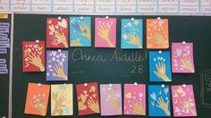 """""""Äitienoäiväkortti"""" (2.lk) Sydämet tehty erilaisista tapeteista, käsi kullanvärisestä piirustuspaperista. (Alakoulun aarreaitta FB -sivustosta / Päivi Koponen)"""