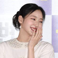 Kim Go Eun Style, My Style, Korean Actresses, Korean Women, Fashion 2020, Cool Girl, Make Up, Actors, Goblin